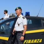 PANTELLERIA, FERMATO DALLA GUARDIA DI FINANZA UNO SCAFISTA CON FAMIGLIA AD ISCHIA